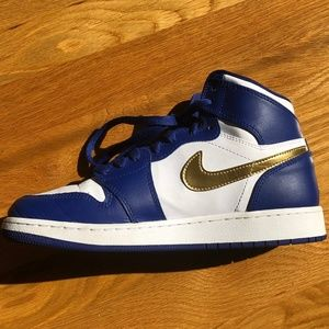 Air Jordan 1 Retro High 'Gold Medal'